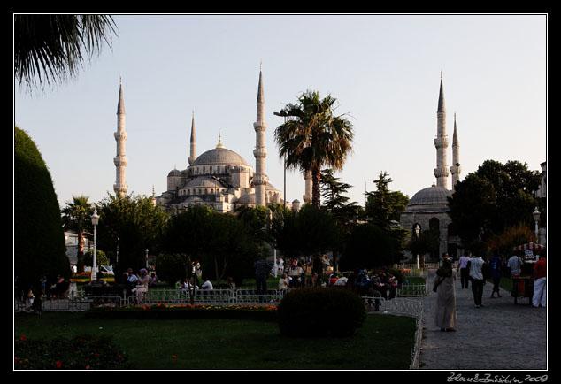 Istanbul : Sultan Ahmet Camii (Blue Mosque) - Zdenek Bakstein Photography